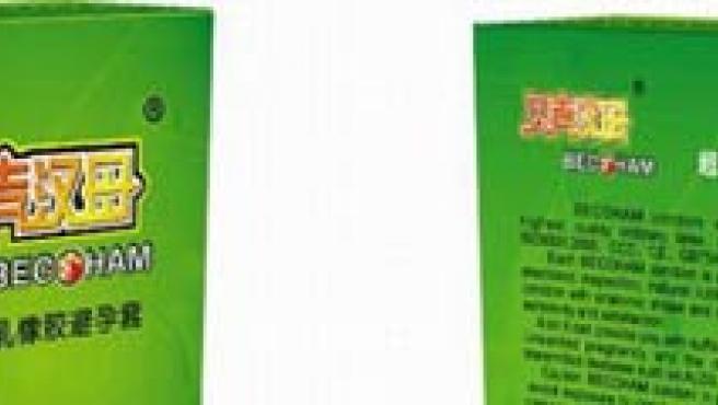 Los preservativos con el nombre del futbolista.