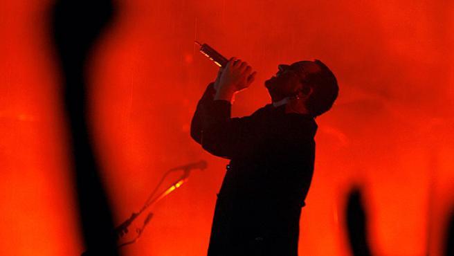 Bono, durante una actuación en directo de U2.