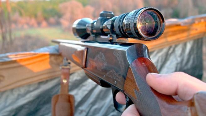 Una escopeta de caza.