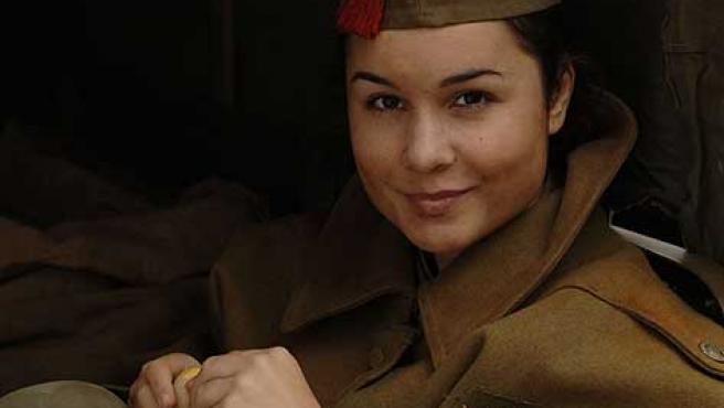 Nadia de Santiago, en una escena de 'Las 13 rosas'.