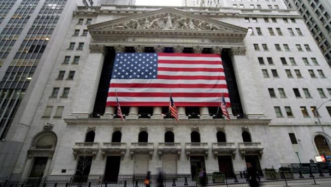 Vista exterior de la Bolsa de Valores de Nueva York.