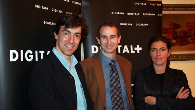 Los responsables de Digital +, AXN y Fox, Pablo Romero, Carlos Herránz, y Pilar Jiménez, respectivamente. JOSÉ GARCÍA