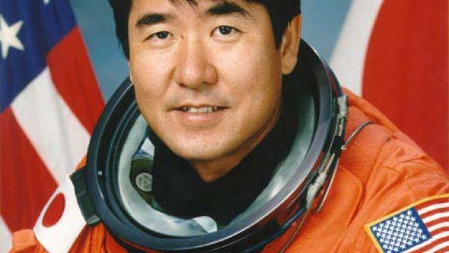 El astronauta Takao Doi probará si un bumerán vuela en el espacio.