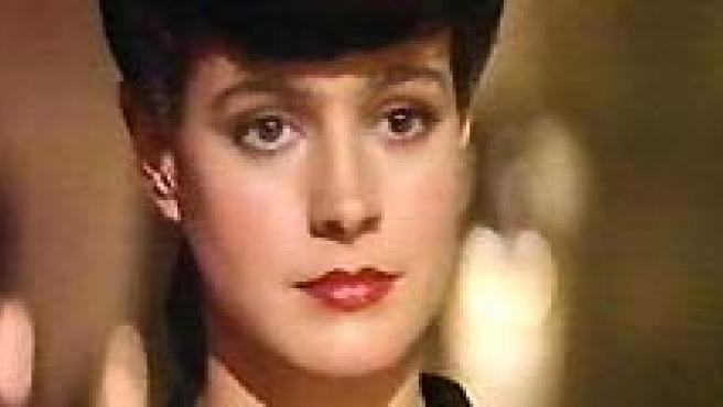 Sean Young es muy conocida por su papel en Blade Runner (en el centro), la mítica película de Ridley Scott. (ARCHIVO).
