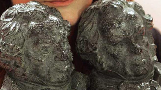 Dos de los Goya que Isabel Coixet consiguió con 'La vida secreta de las palabras'.