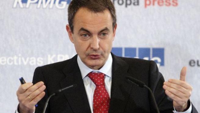 Zapatero, durante su comparecencia (REUTERS).