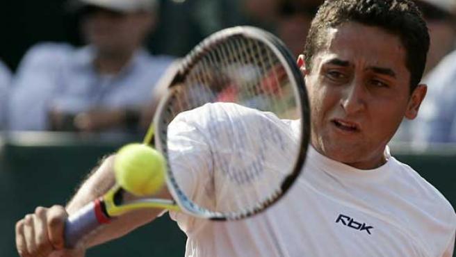 Almagro, durante su partido de Copa Davis ante Silva. (EFE)