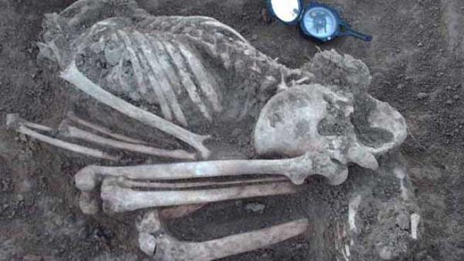 Fotografía cedida por el Instituto Nacional de Antropología e Historia del fósil de la mujer encontrada en México. (EFE