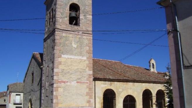 Esta iglesia consagrada al patron del pueblo, San Félix, guarda los que se creen son los restos de Juan Bravo.