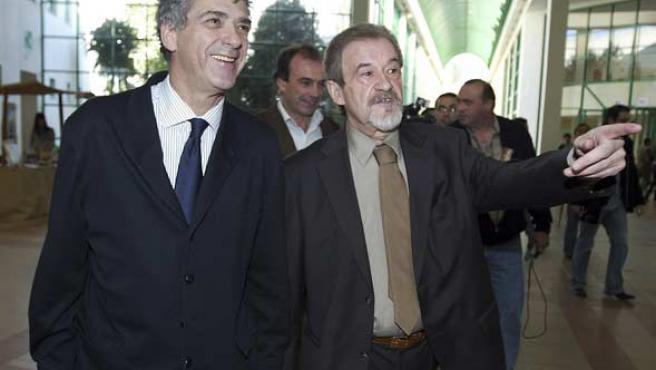 Angel María Villar junto al presidente de la Federación portuguesa (EFE).