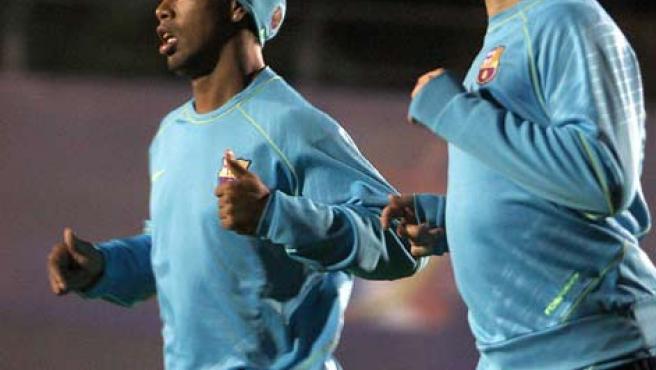 Ronaldinho y Deco, los dos principales jugadores que saldrán en junio (EFE).