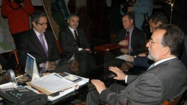 El presidente del Levante, Julio Romero, a la izquierda y el teniente de alcalde, Alfonso Grau, a la derecha