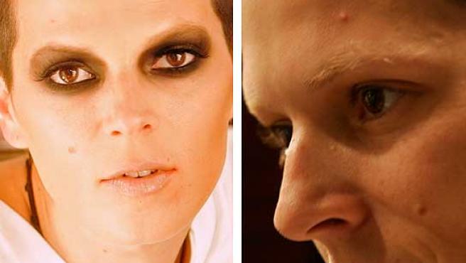 A la izquierda, Bimba Bosé maquillada para el desfile. A la derecha, una imagen de la modelo al natural.