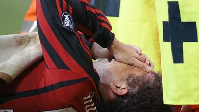 Ronaldo se retira del estadio de San Siro llorando. (Reuters)