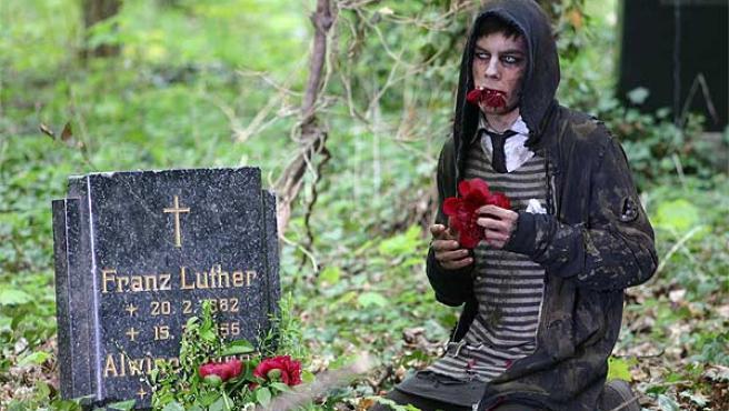 Fotograma de la película 'Otto: or up with Dead People'.