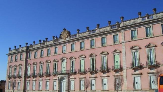 Vista del Palacio Real de Riofrío desde la explanada principal del recinto.