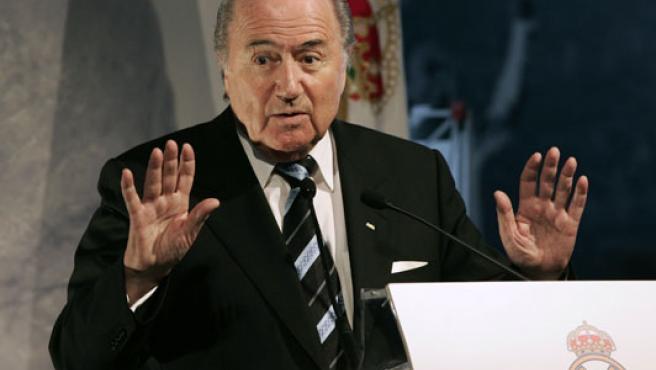 Blatter, durante su intervención en el homenaje a Alfredo Di Stéfano. (EFE)