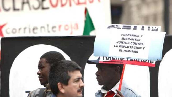 Participantes en una manifestación en Sevilla.
