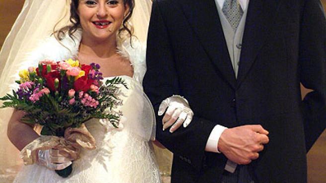 Luisma (Paco León) y Macu (Pepa Rius) durante la boda.