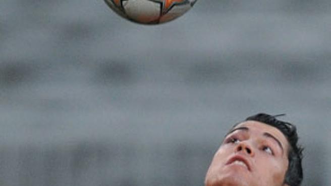 Cristiano Ronaldo, en un calentamiento con el Manchester (Reuters).