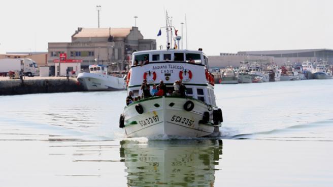 El Vaporcito se dispone a atracar en el embarcadero de San Ignacio, en El Puerto de Santa María. M. V.