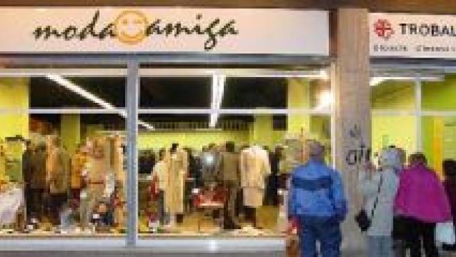 Existen 12 contenedores para depositar ropa usada en Lleida.