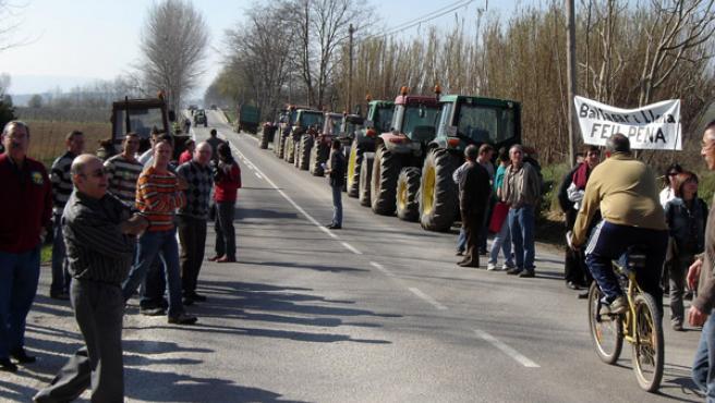 Manifestación en la C-252 en Verges