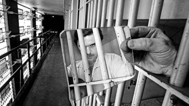 Uno de los fotomontajes de los lectores en el que se ve a José María Aznar en una cárcel.