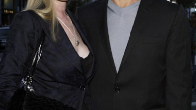 El actor Patrick Swayze y su mujer, Lisa, en una imagen de marzo de 2005, en Beverly Hills.