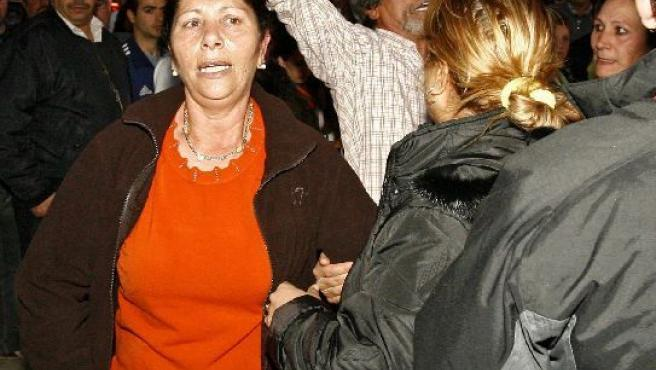 Los abuelos de Mari Luz Cortés, poco después de descubrirse el cadáver.