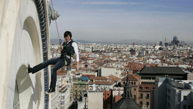 Edurne Pasabán, con los tejados del centro de Madrid al fondo.