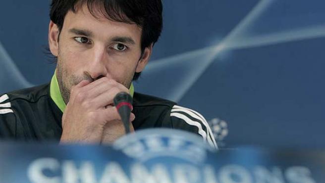 Ruud van Nistelrooy, en rueda de prensa. (Efe)