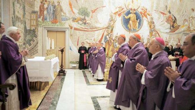 El papa Benedicto XVI durante la misa en memoria del obispo encontrado muerto en Mosul, Irak. (EPA/Osservatore Romano)