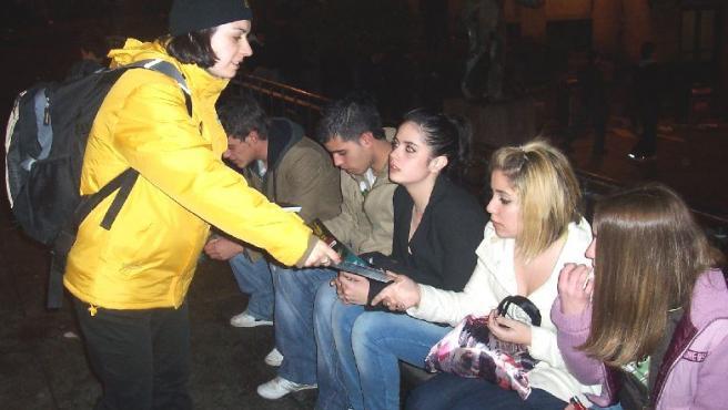 El ticket para tomar taxi: una solución para que los jóvenes no conduzcan bajo los efectos del alcohol.