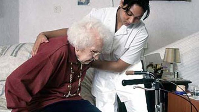 Los mayores son uno de los colectivos con más necesidades a los que beneficiará la Ley de Dependencia.