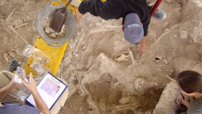 Los arqueólogos trabajan en el yacimiento de Caravaca (Murcia)