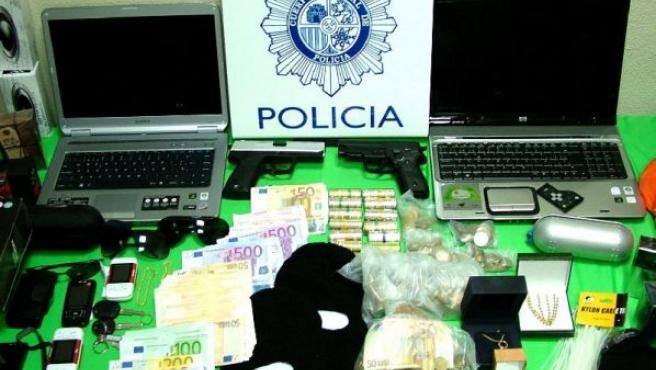Material incautado por la Policía Nacional en Salamanca a cuatro personas de nacionalidad brasileña.