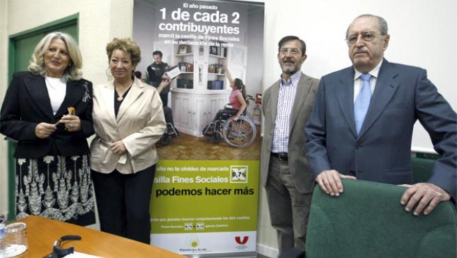 Representantes de ONG españolas presentan su campaña sobre la Declaración de la Renta (Foto: Efe).