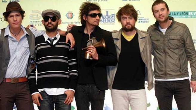 Los integrantes del grupo Zoé, Premio Latino Revelación.