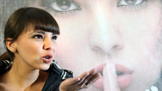 La cantante Chenoa durante una rueda de prensa en México. (FOTO:EFE)
