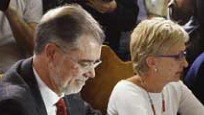 El ministro del Justicia, Mariano Fernández Bermejo (2i), momentos antes de la reunión. (EFE)