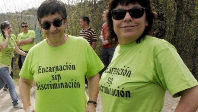 María Rey Santos (d), la mujer lesbiana que fue expulsada de la hermandad de la Virgen de la Encarnación de Abenojar (Ciudad Real)