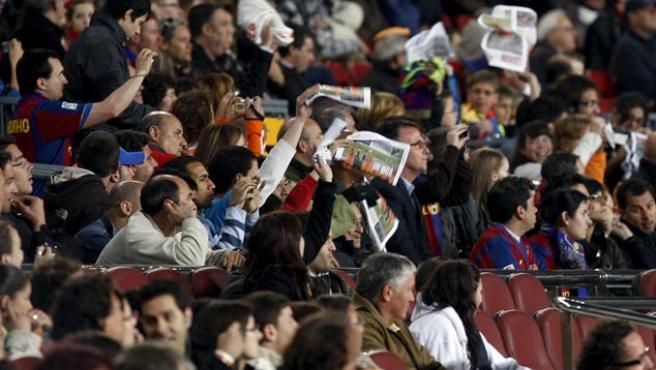 Pañolada en el Camp Nou tras el empate del Barça ante el Getafe. (EFE)
