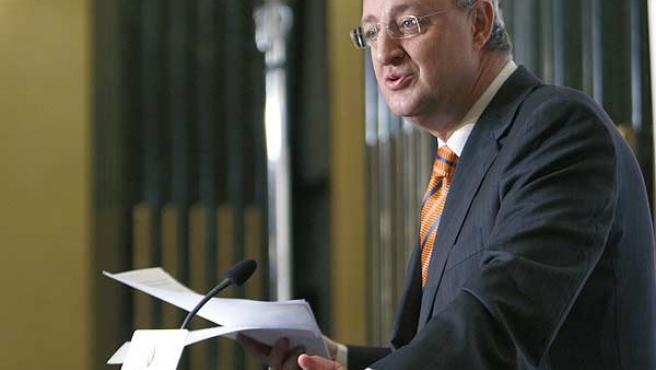 Jesús Caldera, durante una intervención en Madrid en el Foro Cínco Días (EFE/Juan M. Espinosa)