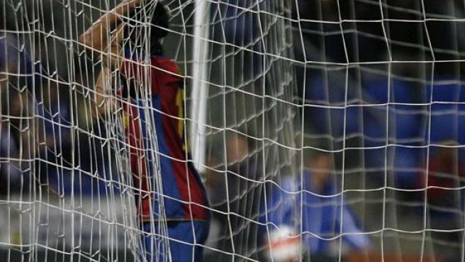 El jugador del Barcelona, Dos Santos, en Huelva (Reuters).
