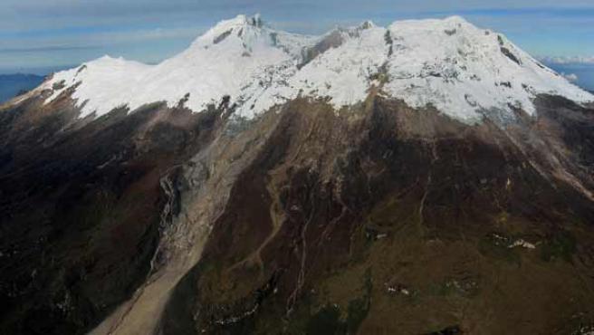 El volcán Nevado del Huila en una imagen captada el pasado 4 de abril. (EFE/Ingeominas)