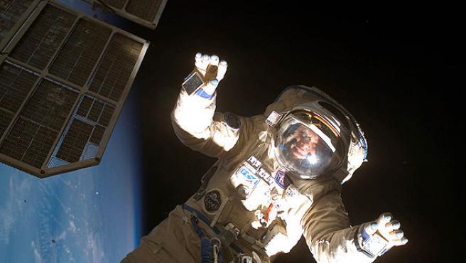 El astronauta ruso Oleg V. Kotov, durante los trabajos en el exterior de la Estación Espacial Internacional.