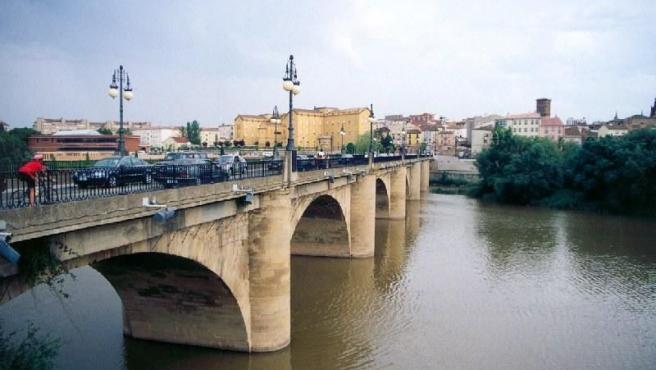Vista del Ebro a su paso por Logroño. (ARCHIVO)