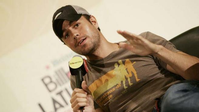 Enrique Iglesias durante su entrevista en el marco de los premios Billboard de la Música Latina. (EFE)