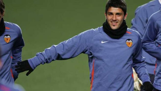 Villa, durante un entrenamiento con el Valencia. (Archivo)